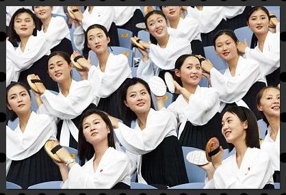 北朝鮮の美女軍団に入る条件!全員整形?同じ顔のお面の意味はなに?