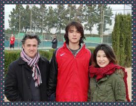 ダニエル太郎の両親